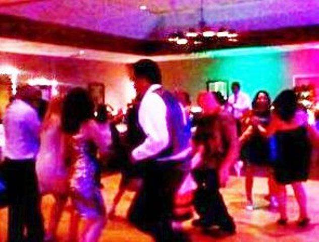 Cambria Wedding DJ MUSIC EXPRESS DJ in SLO Paso Robles Wedding DJ CA
