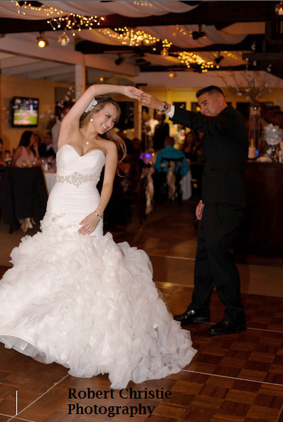 Best wedding dj in Visalia is Music Express Visalia DJ Hanford Tulare