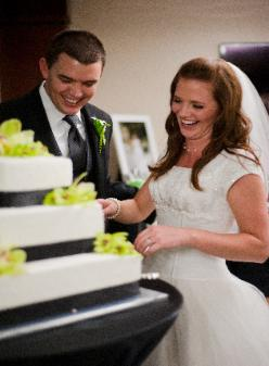 Cutting  cake - Wedding DJ